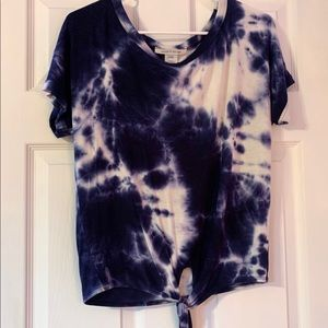 Soft short sleeve top white and blue tie dye S